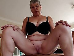 Amateur Granny Mature MILF Big Boobs