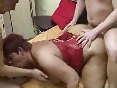 Amateur BBW German Mature Threesome